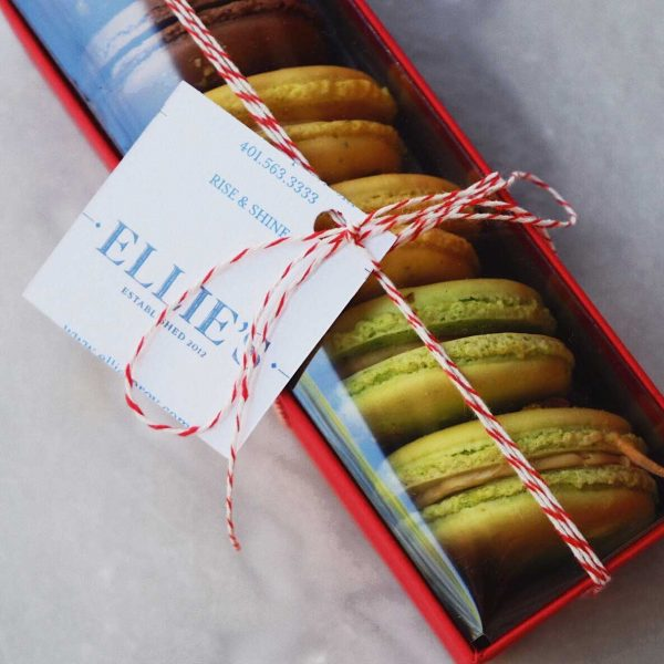 Box of French Macarons (6)